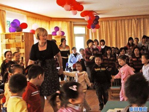 安吉利英语大中华地区总裁考察通师二附幼儿园